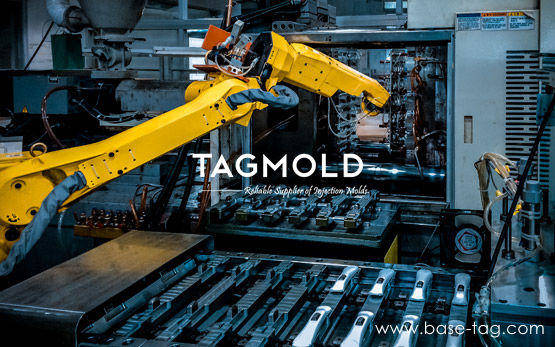 Injection-moulding-with-mechanical-arm-TAGMold